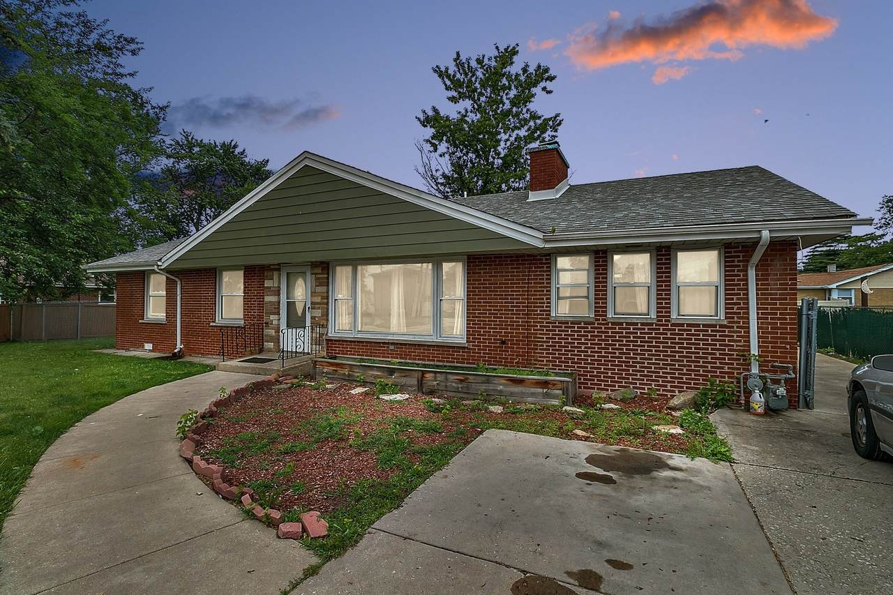 9340 Ridgeland Avenue - Photo 1