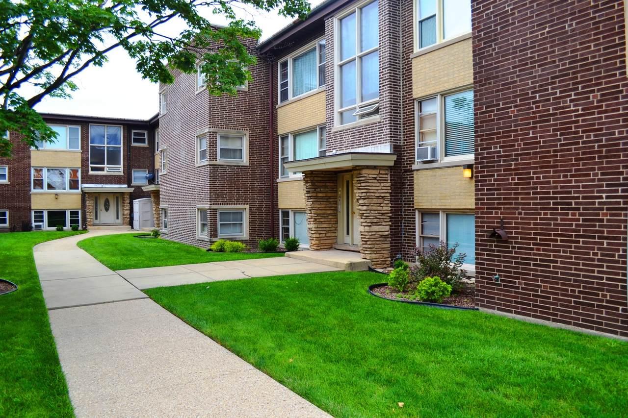 5532 Lawrence Avenue - Photo 1