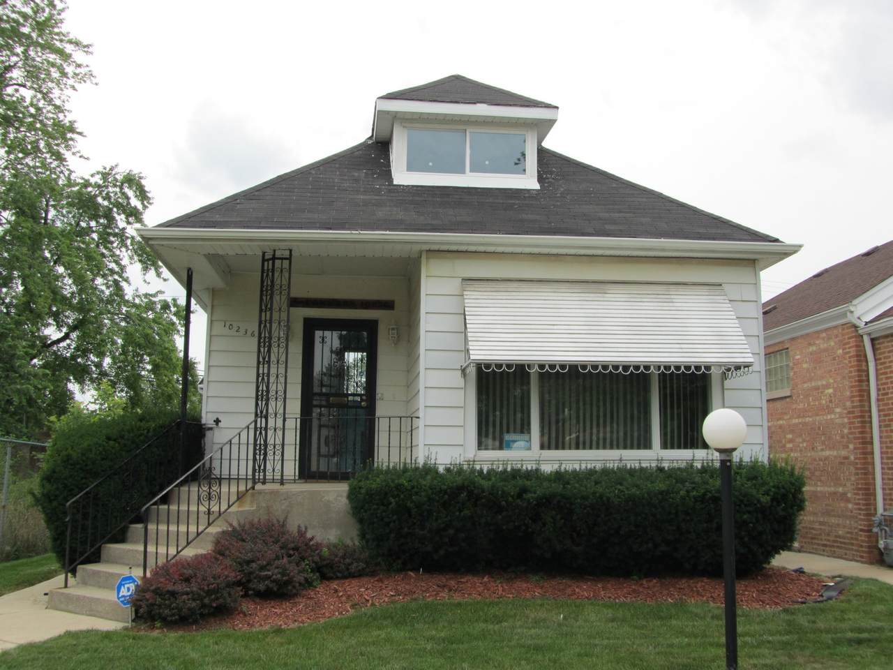 10236 Carpenter Street - Photo 1