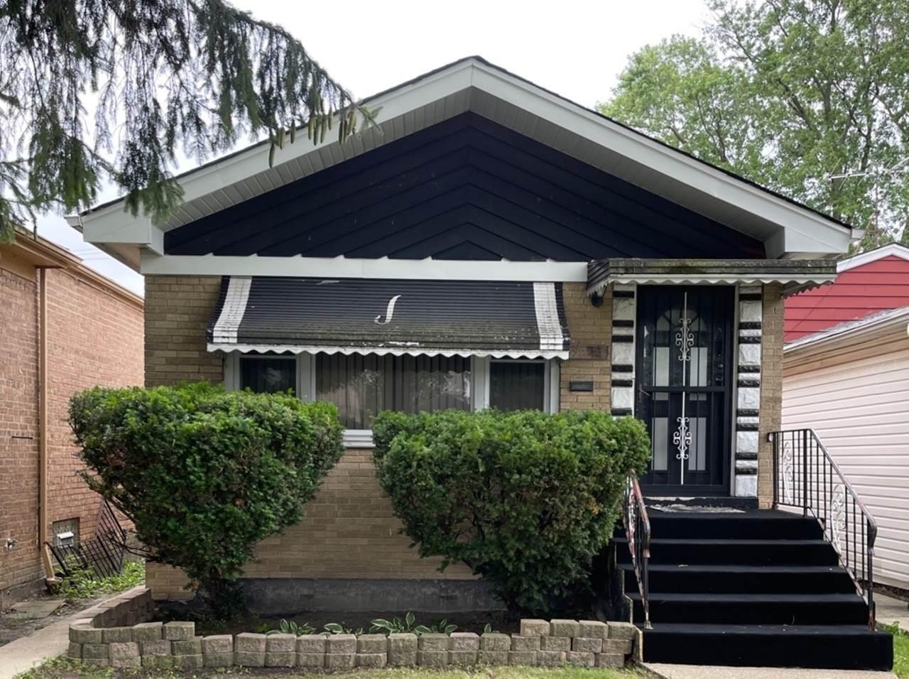 9044 Emerald Avenue - Photo 1