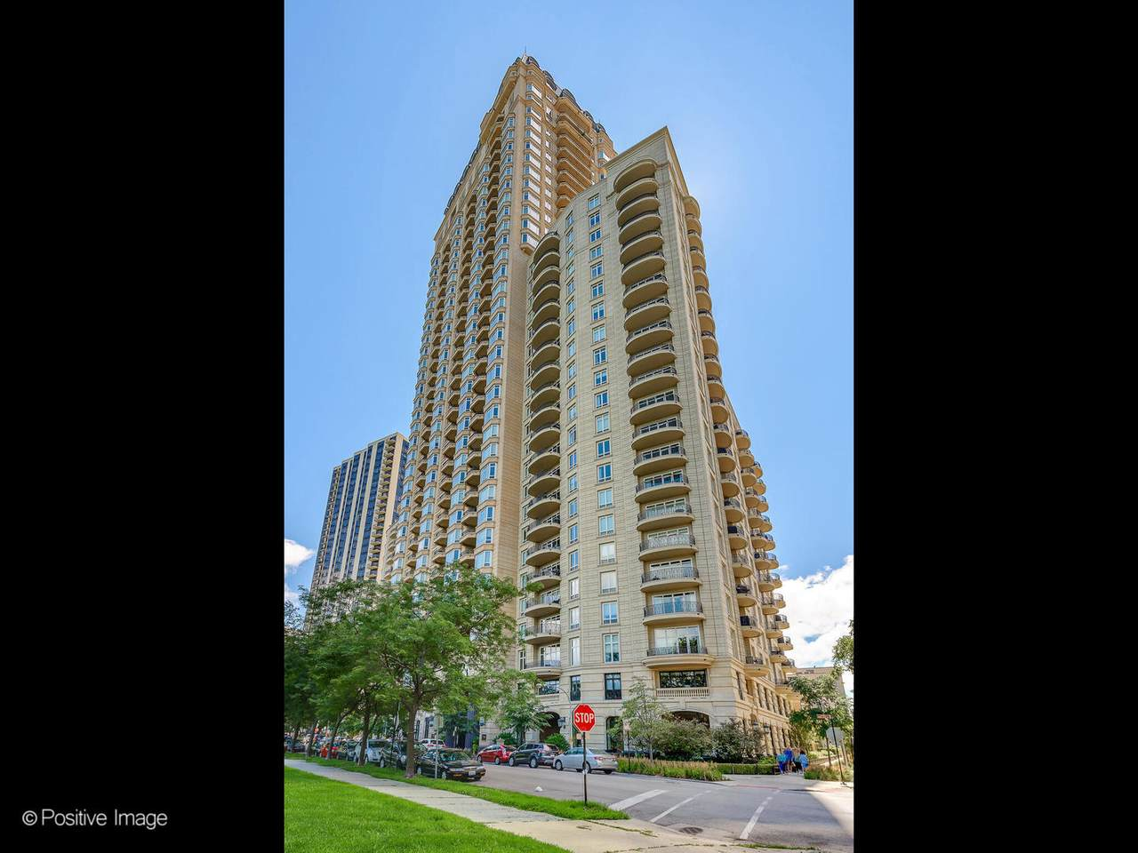 2550 Lakeview Avenue - Photo 1
