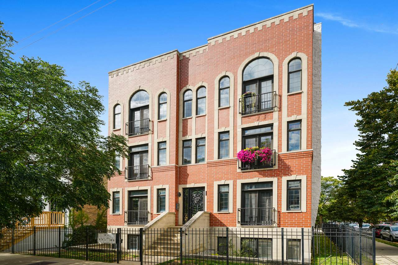 1704 Carpenter Street - Photo 1