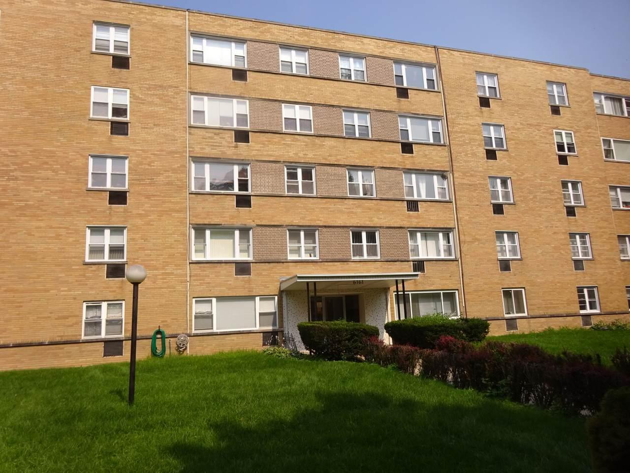 6161 Hoyne Avenue - Photo 1