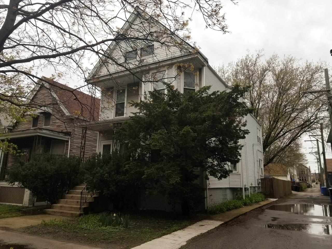 2414 Winnemac Avenue - Photo 1