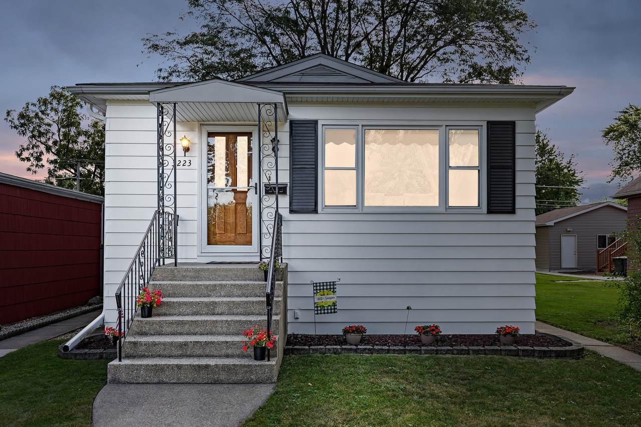 3223 Vernon Avenue - Photo 1