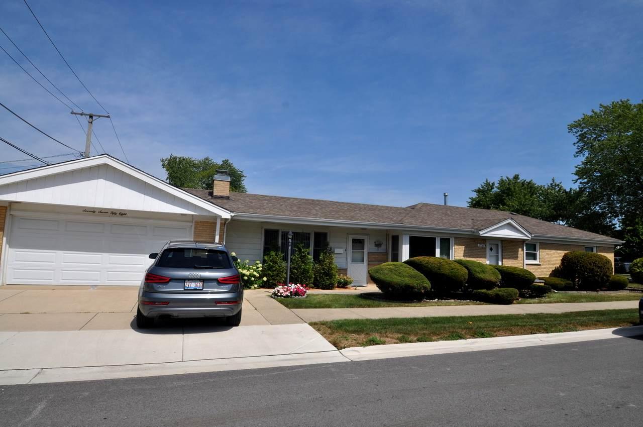 7758 New Castle Avenue - Photo 1