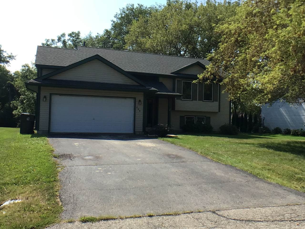 208 Picadilly Dr Se - Photo 1
