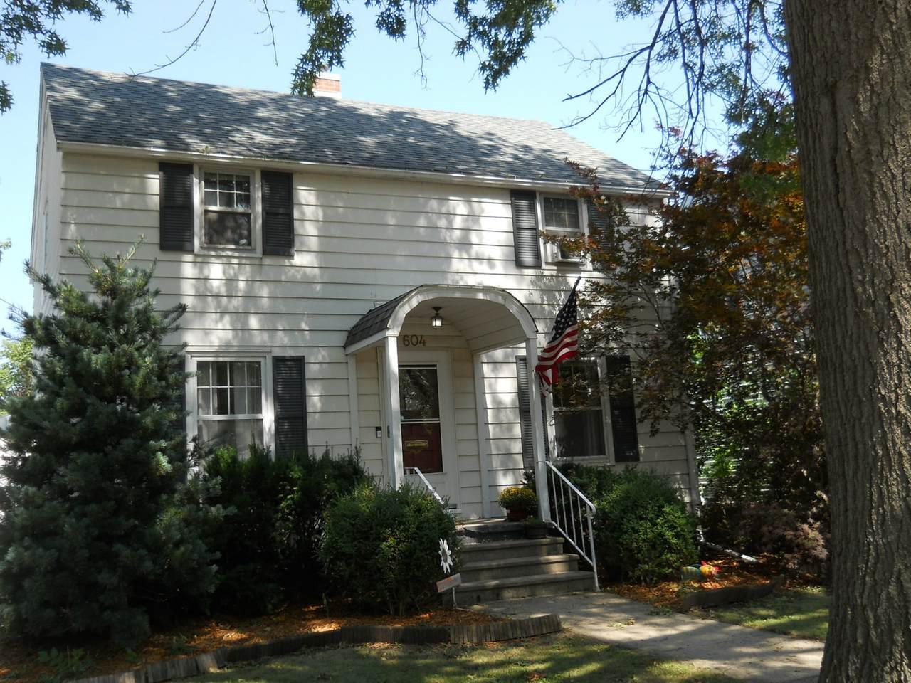 604 13th Street - Photo 1