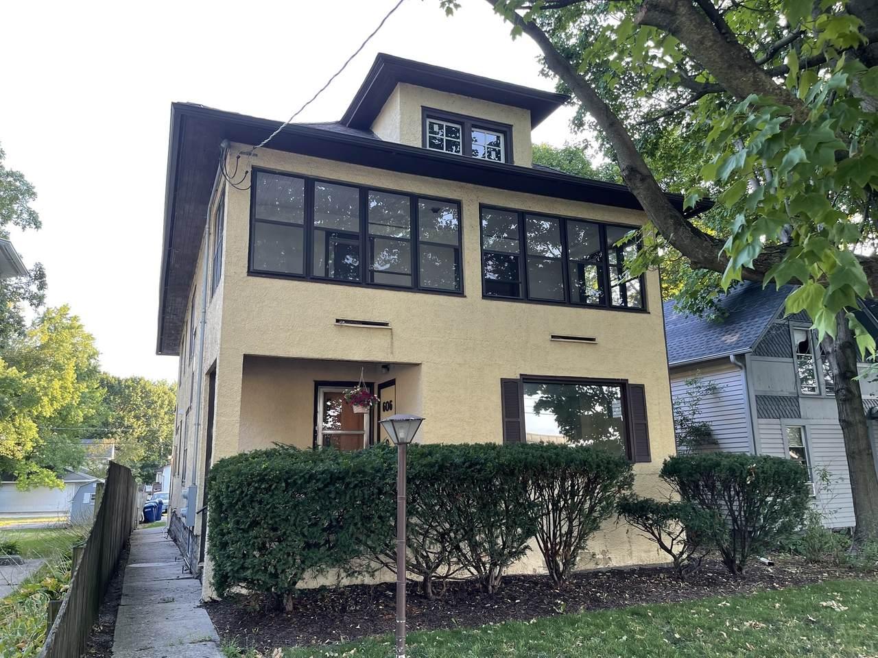606 Grove Street - Photo 1
