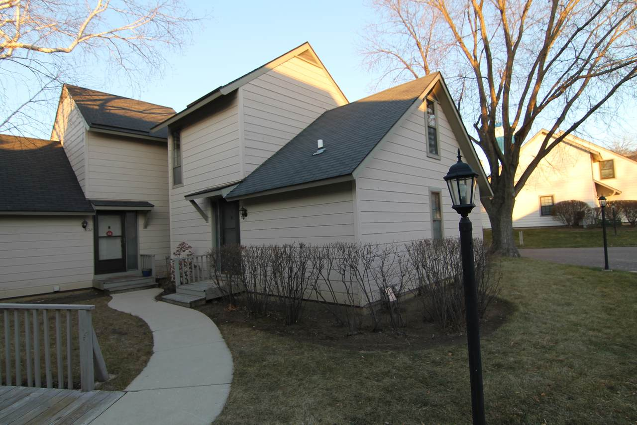 700 Colby Court - Photo 1