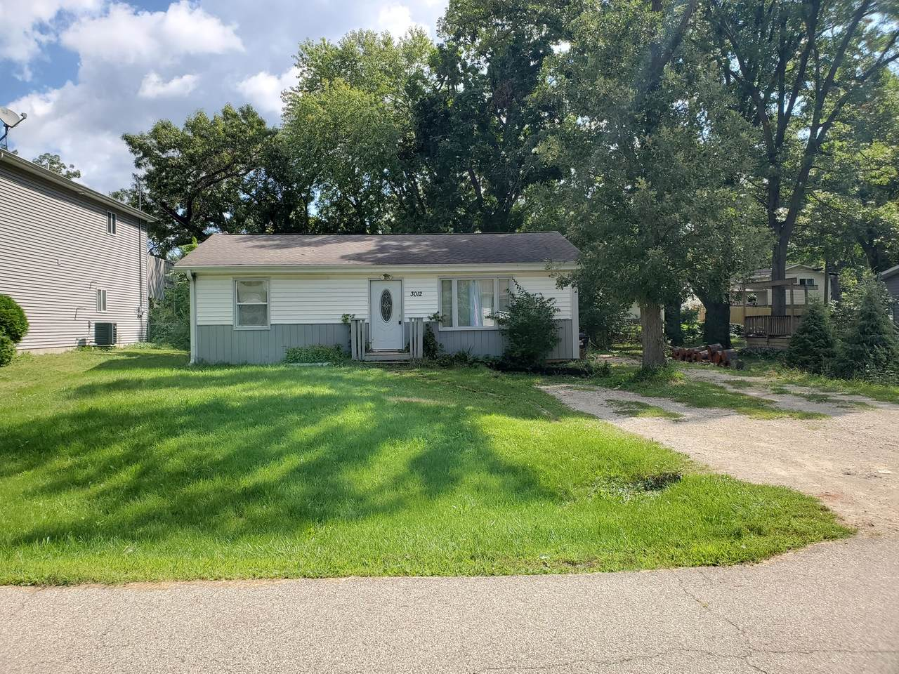 3012 Hickory Drive - Photo 1