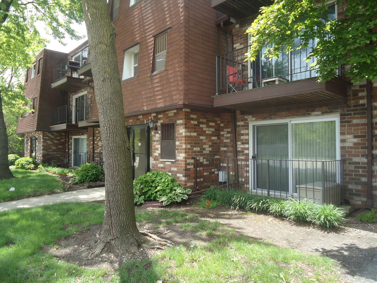11760 Ridgeland Avenue - Photo 1