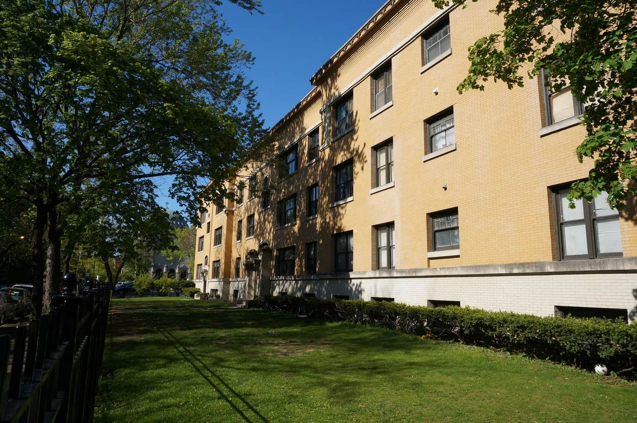 650 Arlington Place - Photo 1