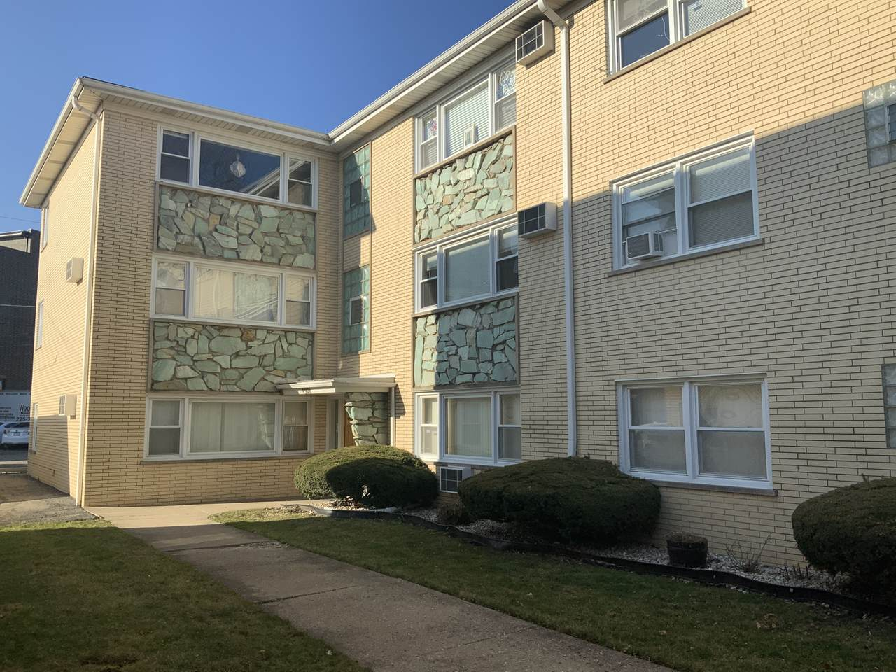 4926 Lester Avenue - Photo 1