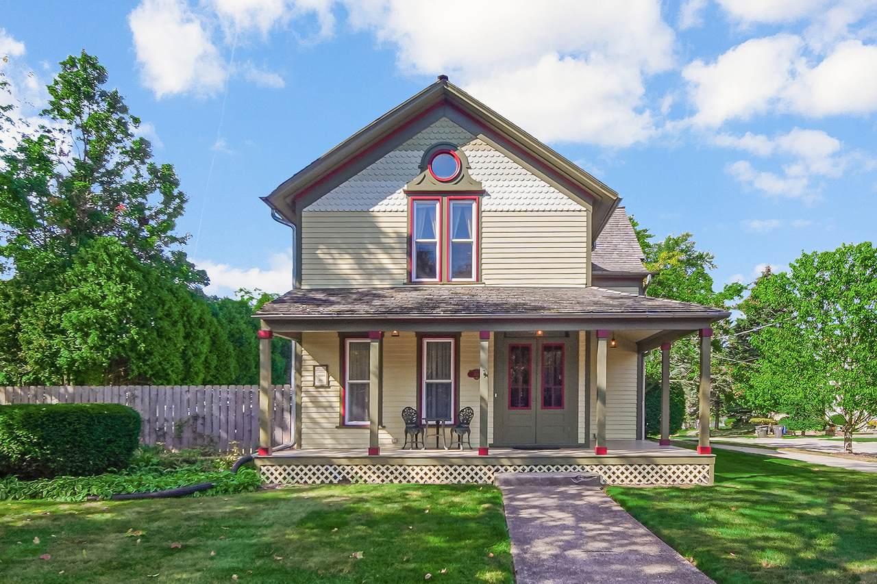 426 Hickory Street - Photo 1