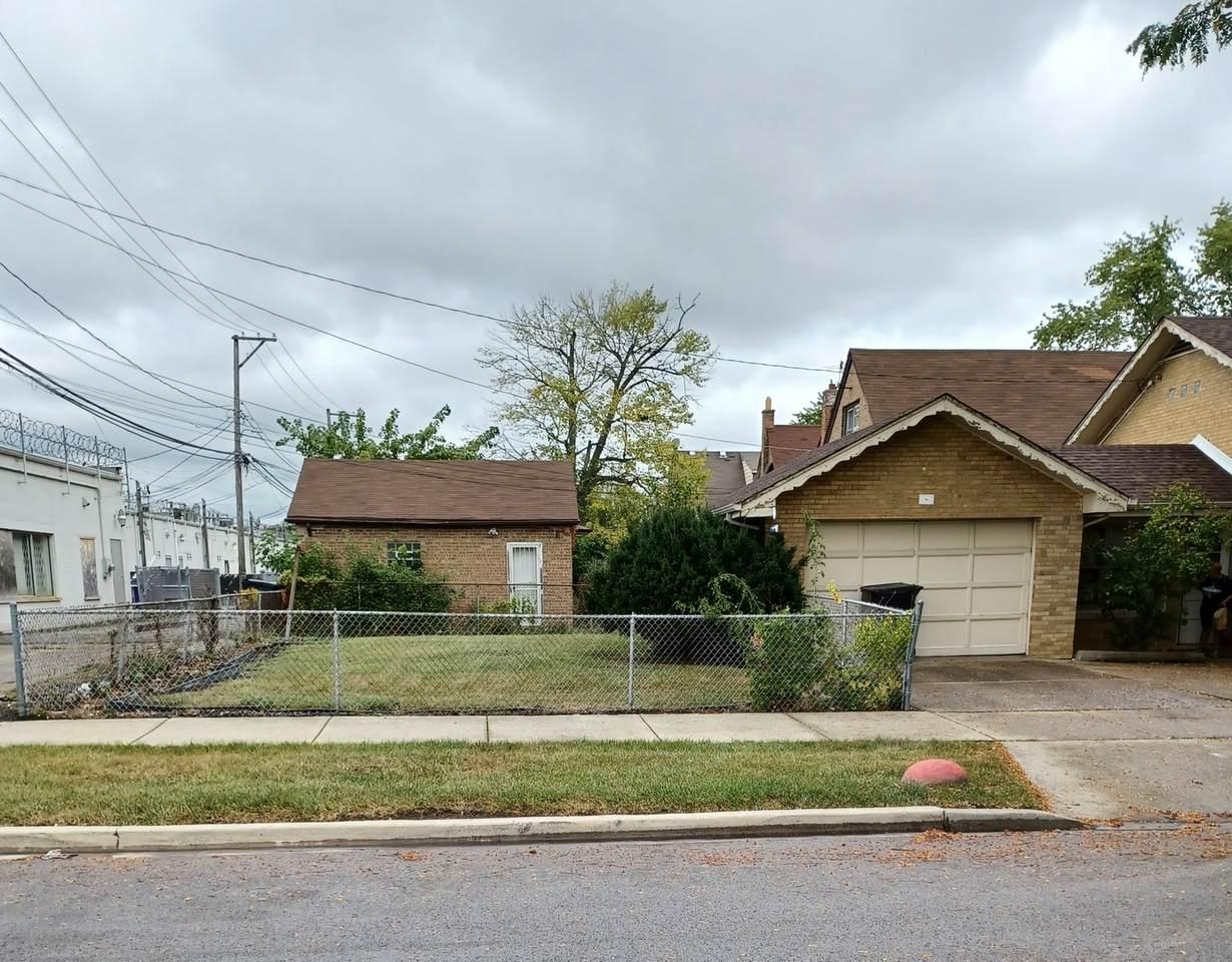 10358 Emerald Avenue - Photo 1