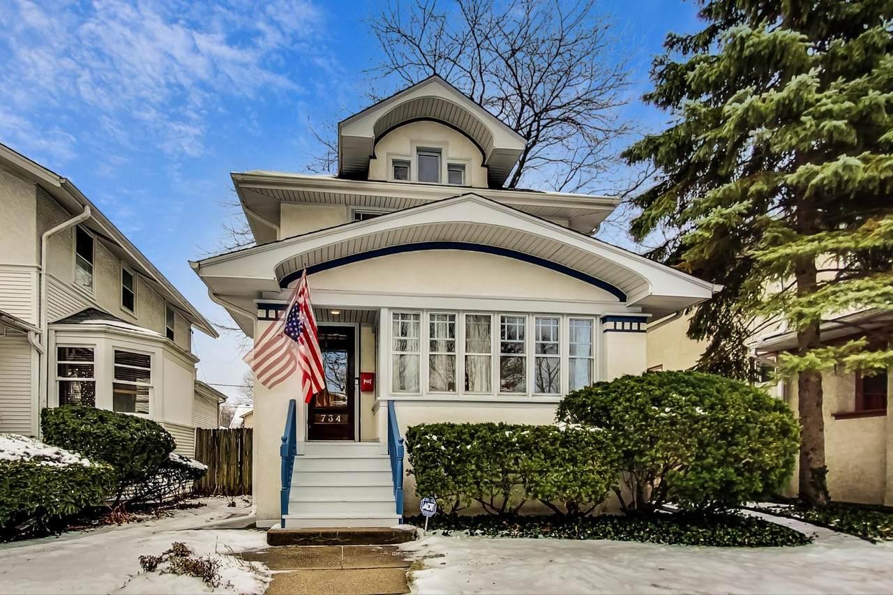 734 Lombard Avenue - Photo 1