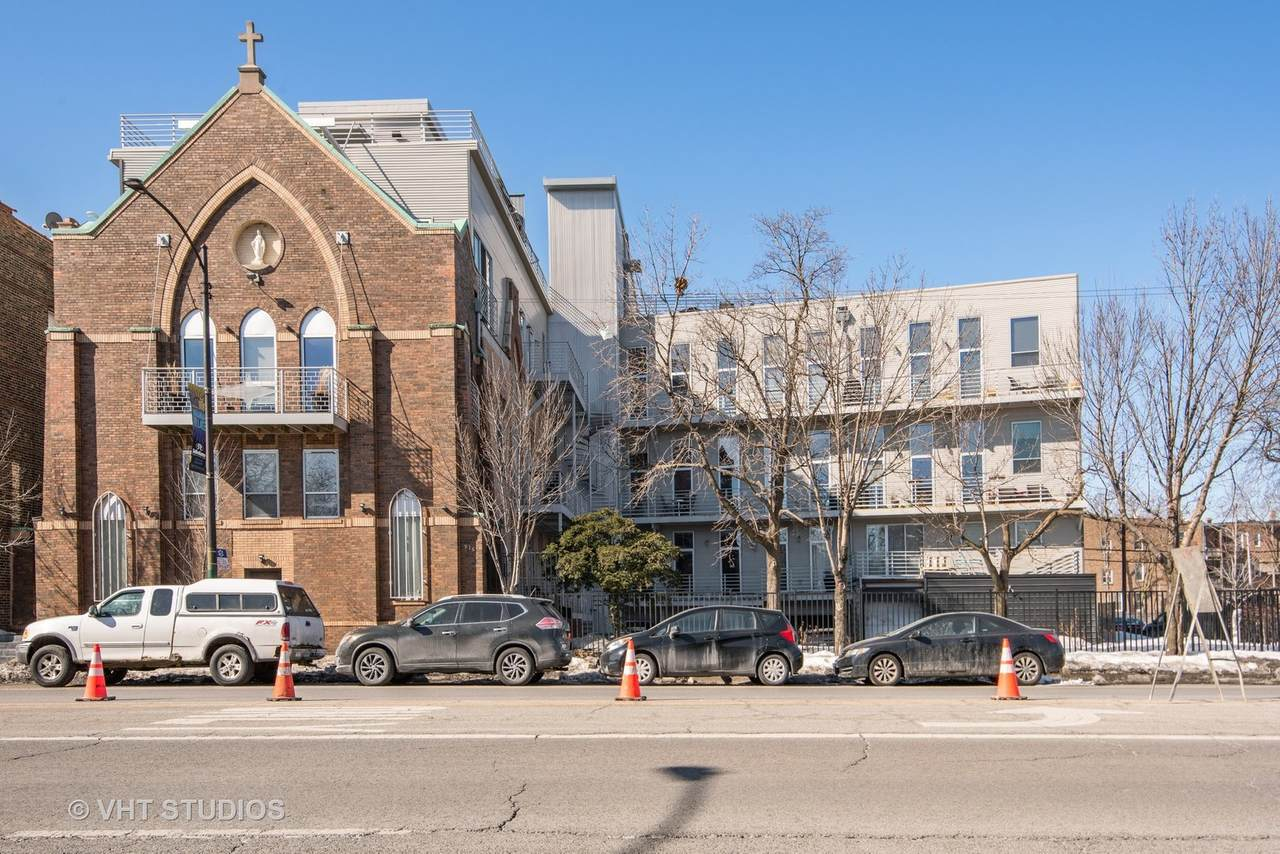 2411 Walton Street - Photo 1