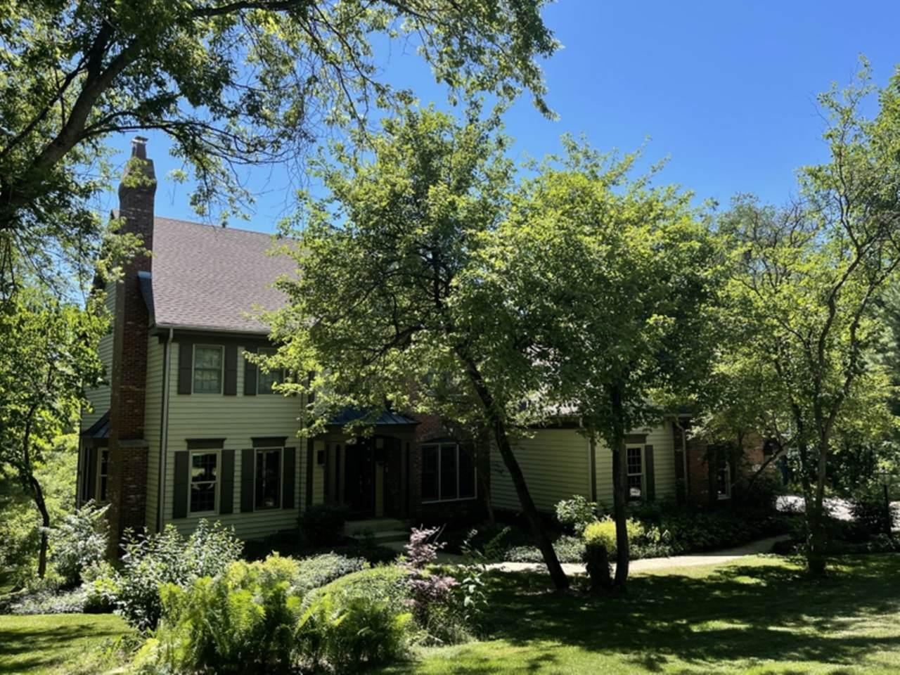 5N472 Foxmoor Drive - Photo 1