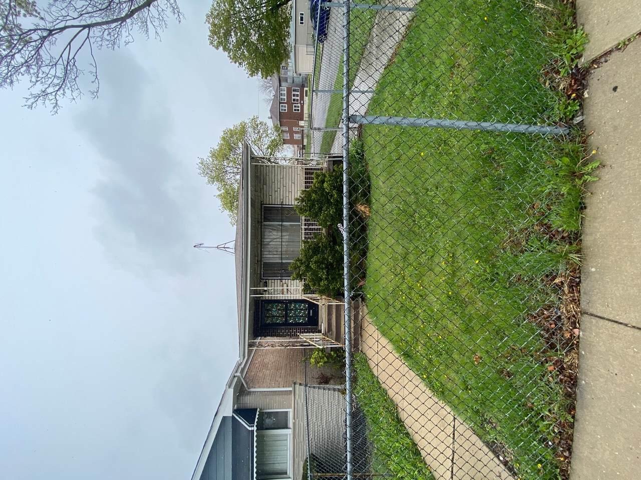 9959 Lafayette Avenue - Photo 1