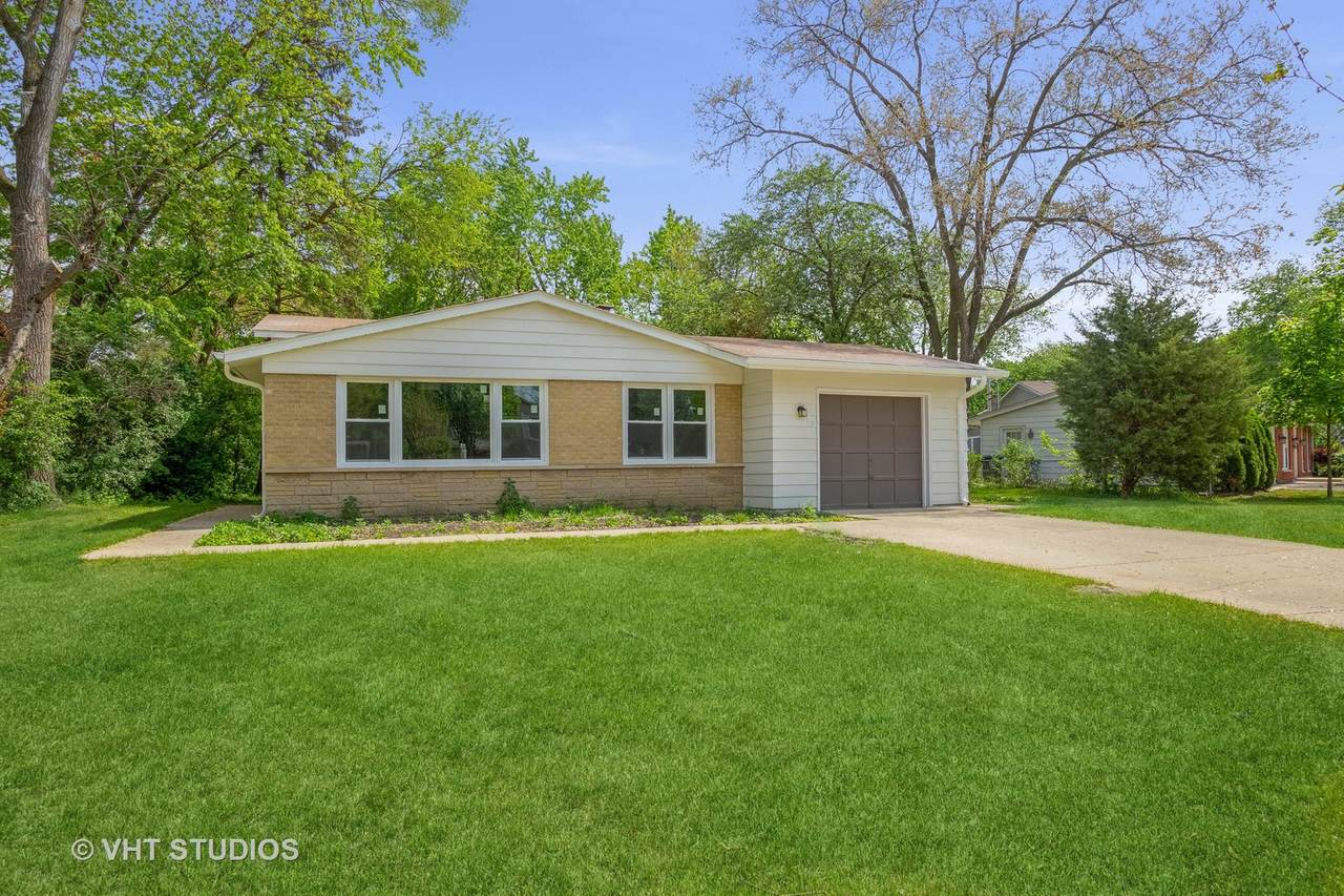 928 Greenfield Court - Photo 1