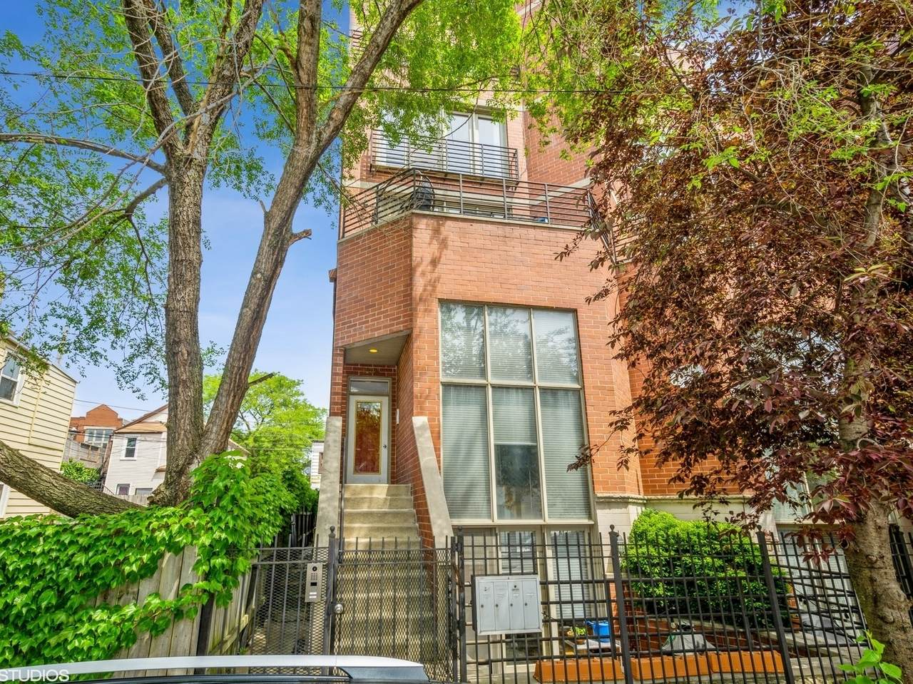 1624 Ontario Street - Photo 1
