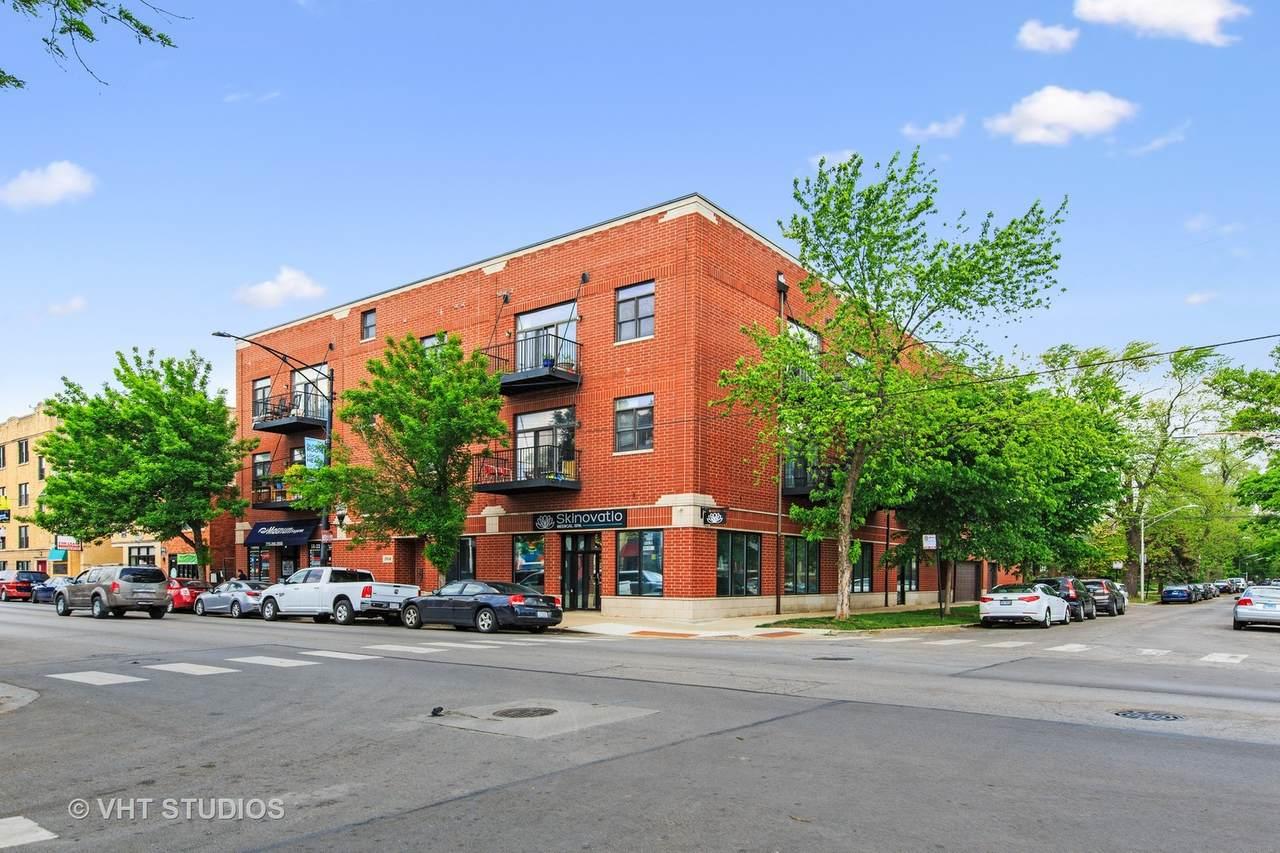 2934 Montrose Avenue - Photo 1