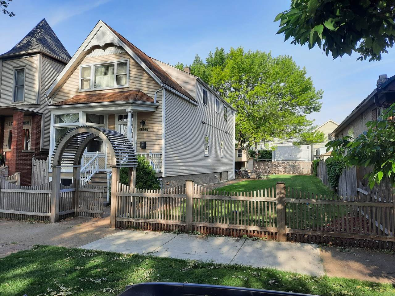 3826 Hermitage Avenue - Photo 1