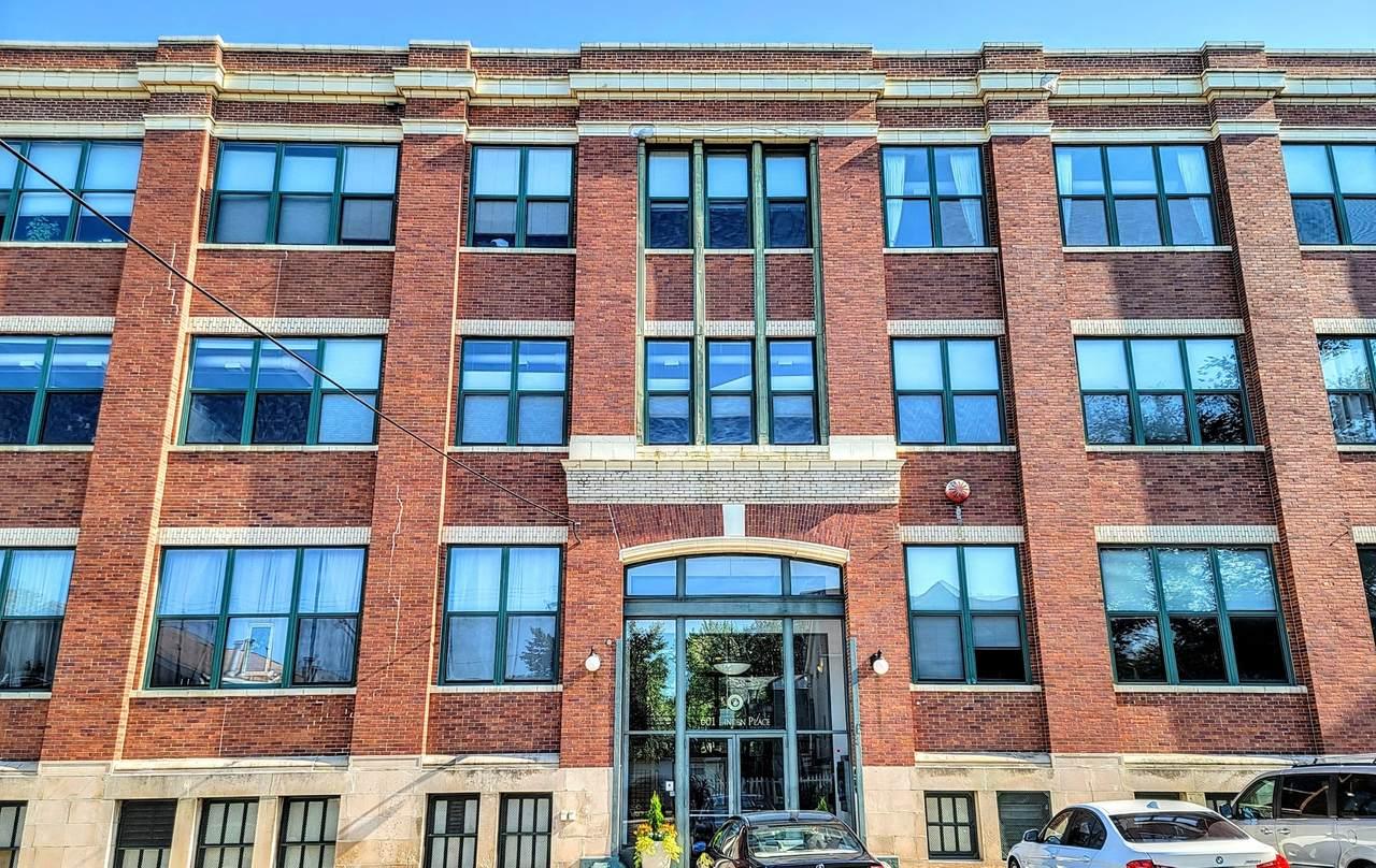 601 Linden Place - Photo 1
