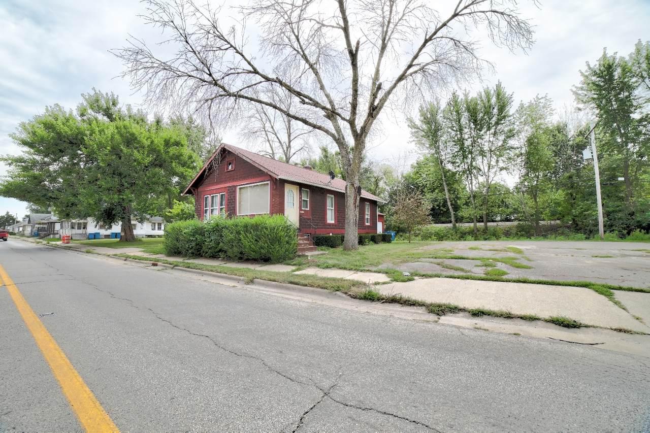 441 Walnut Street - Photo 1