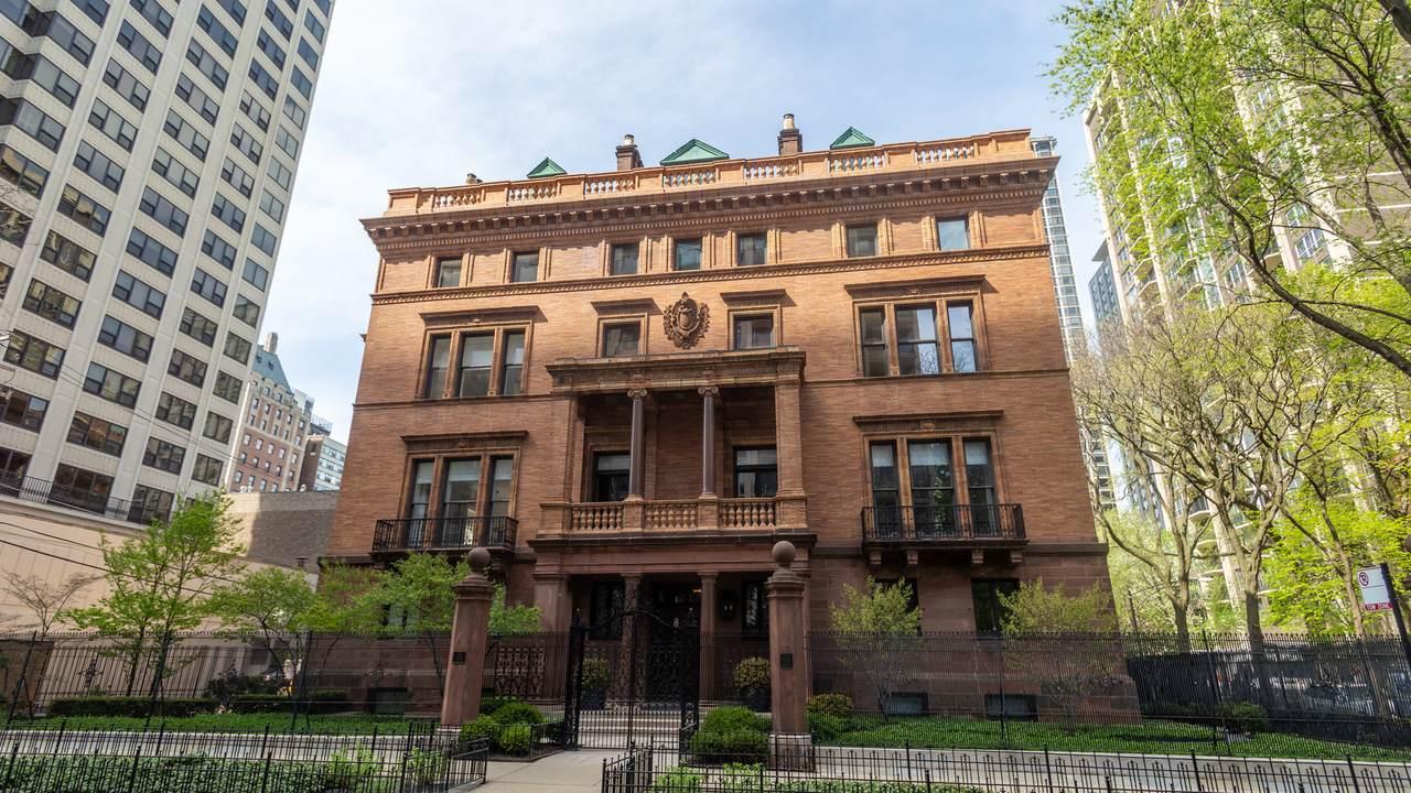 1500 Astor Street - Photo 1