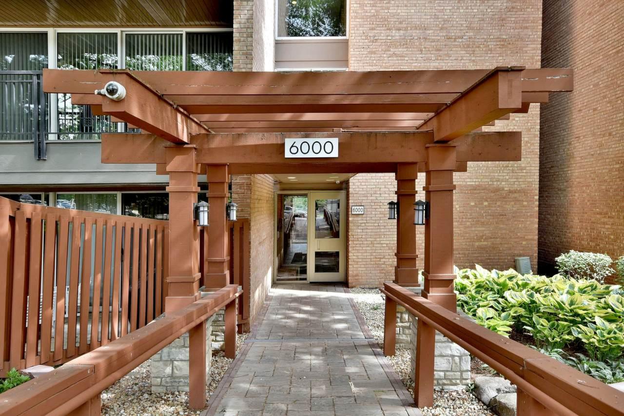 6000 Oakwood Drive - Photo 1