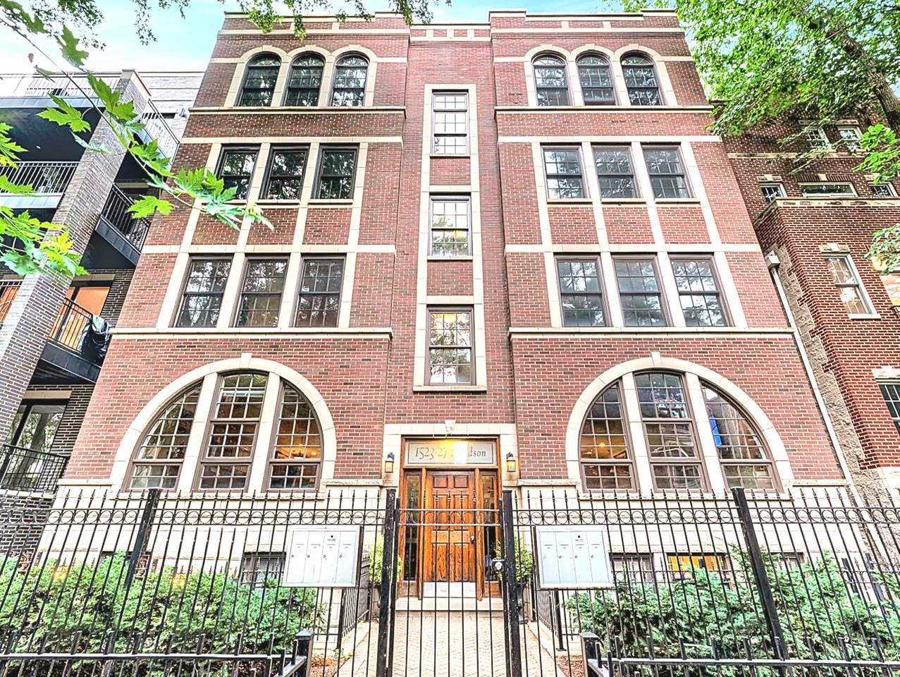 1527 Hudson Avenue - Photo 1