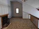 17968 Royal Oak Court - Photo 17