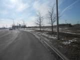 5525 Miller Circle Drive - Photo 2