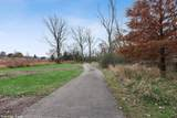 1612 Bur Oak Drive - Photo 35