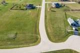 1060 Prairie View Drive - Photo 2