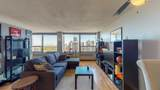 1360 Sandburg Terrace - Photo 2