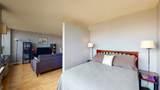 1360 Sandburg Terrace - Photo 10
