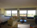 1455 Sandburg Terrace - Photo 4