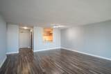 1560 Sandburg Terrace - Photo 8