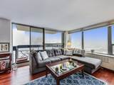1360 Sandburg Terrace - Photo 7