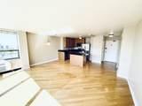1460 Sandburg Terrace - Photo 10