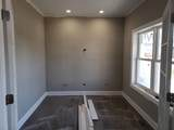 908 Foxview Drive - Photo 4