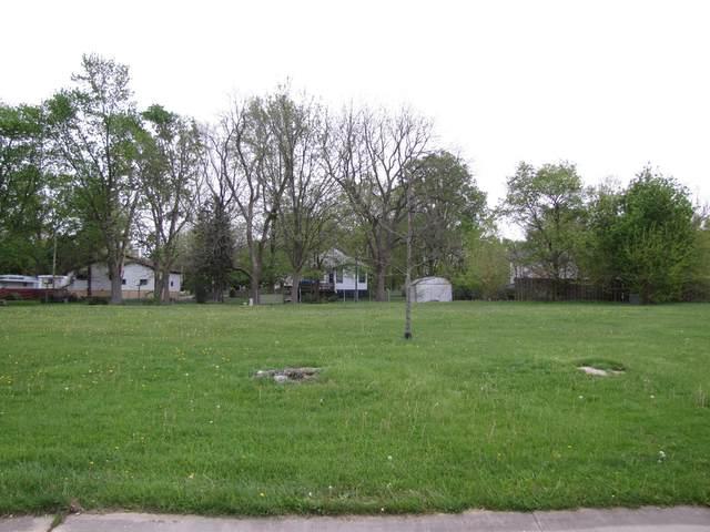 308 Deerfield Drive, Rantoul, IL 61866 (MLS #09602067) :: Littlefield Group