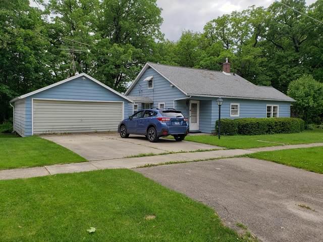 215 E Lincoln Street, Mt. Carroll, IL 61053 (MLS #10730004) :: Littlefield Group