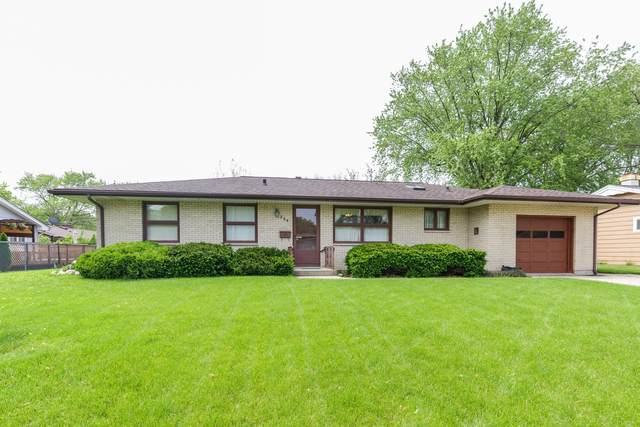 864 N Mclean Boulevard, Elgin, IL 60123 (MLS #10732145) :: The Dena Furlow Team - Keller Williams Realty