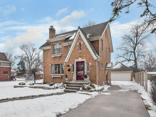 602 Crest Street, Wheaton, IL 60187 (MLS #10911669) :: Schoon Family Group