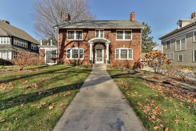 802 W University Avenue, Champaign, IL 61820 (MLS #10933233) :: Helen Oliveri Real Estate