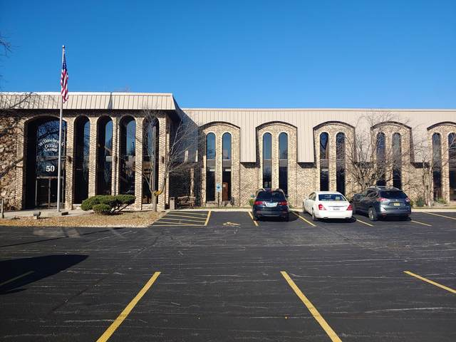 50 W 75th Street #212, Willowbrook, IL 60527 (MLS #10934621) :: John Lyons Real Estate